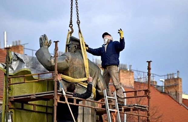 В США недовольны российским законом о запрете сноса памятников ВОВ