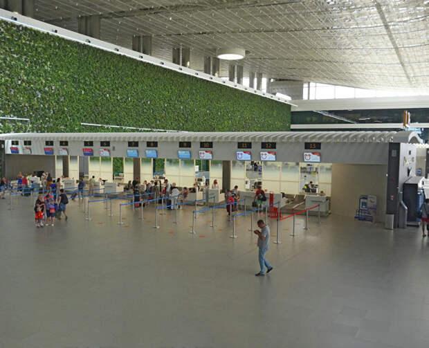 Меры безопасности в Крыму: как аэропорт Симферополь встречает туристов