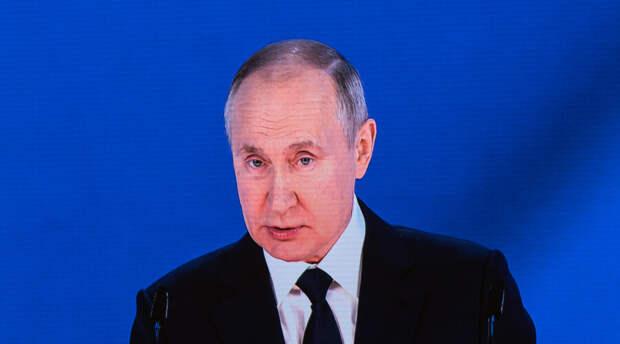 «Рабочих рук у нас в настоящее время не хватает». Путин заявил о дефиците рабочей силы