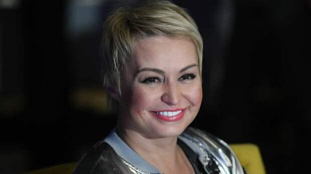 Катя Лель записала альбом мантр против коронавируса
