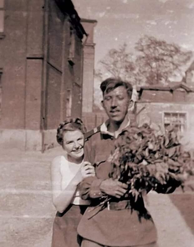 Юмор на фронте спасает жизнь солдату, 1942 год. Вспоминает Юрий Никулин
