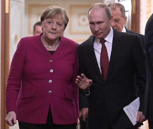 Последняя попытка обмануть Путина. Зачем Меркель едет в Москву?