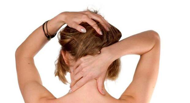 Чтобы сохранить молодость и здоровье, делайте это простое упражнение для шеи