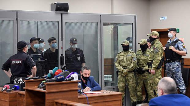 Суд арестовал напавшего на школу в Казани на два месяца
