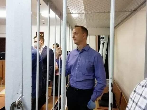 Реверсивный патриотизм, или Почему «Новая газета» отмазывает Сафронова