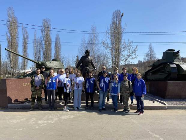Нижегородские «Волонтеры Победы» присоединились кМеждународному субботнику