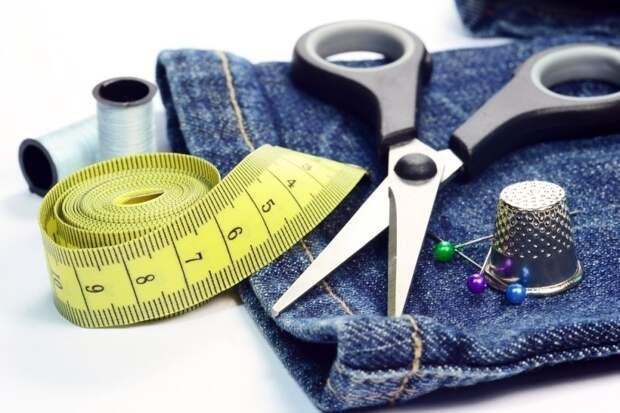 Как отремонтировать джинсы: даем любимым брюкам вторую жизнь