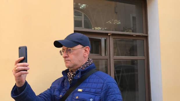 Октябрьский суд Петербурга 18 мая изберет меру пресечения депутату Резнику