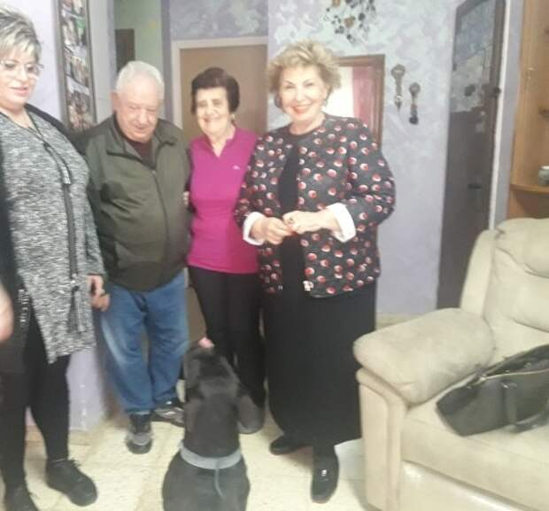 Софа Ландвер в гостях у семьи из Бней-Аиша. Фото: пресс-служба