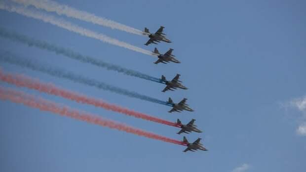 Видео авиационной части московского парада Победы опубликовано в Сети