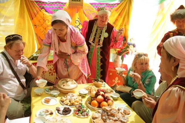 Гостеприимство татар. Фото взято из открытых источников