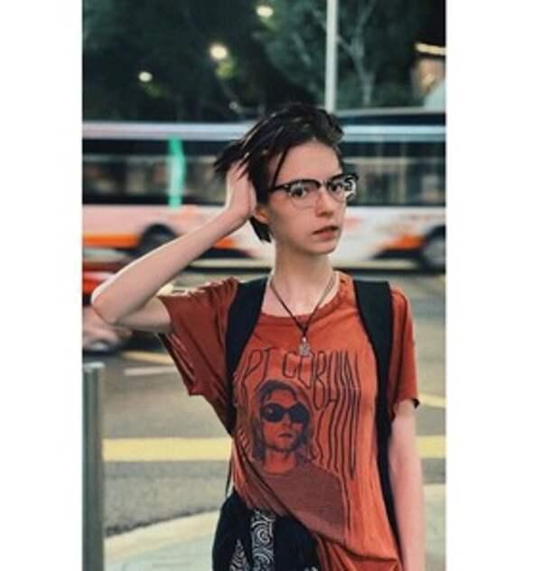 """""""В отце разочарована"""": как выглядит 19-летняя дочь Михаила Ефремова, не определившаяся с полом (фото)"""