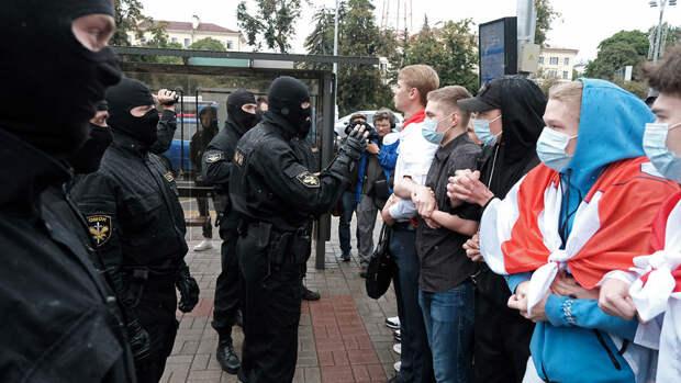 Белорусских студентов, участвовавших в протестах, отправили в колонию