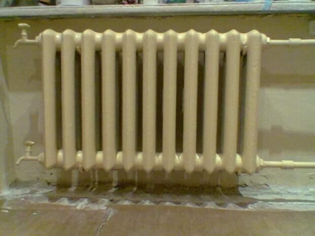 Вот как можно спрятать невзрачный радиатор и заодно преобразить интерьер