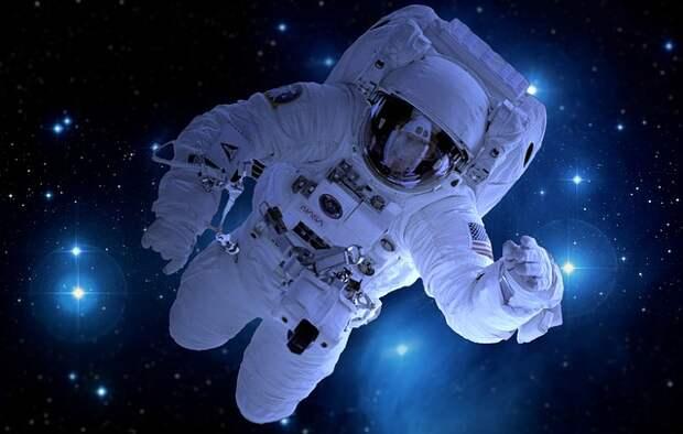 На Луне космонавтам запретили мусорить и драться