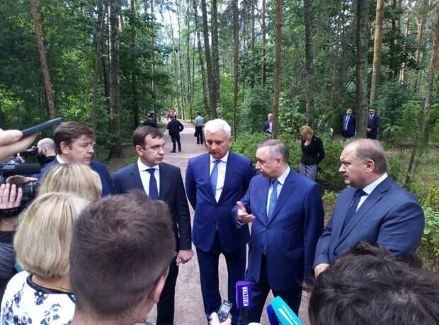 Александр Беглов проверил ход работ по благоустройству парка «Сосновка» в Петербурге
