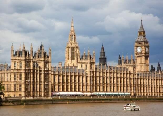 Парламент Великобритании проголосовал за новую отстрочку Brexit