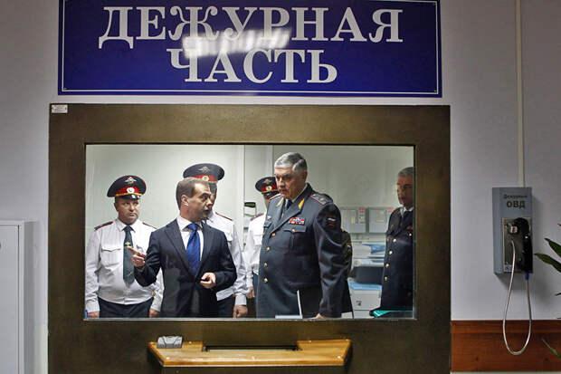 Об уходе Бортникова, Золотова и Колокольцева в большой бизнес