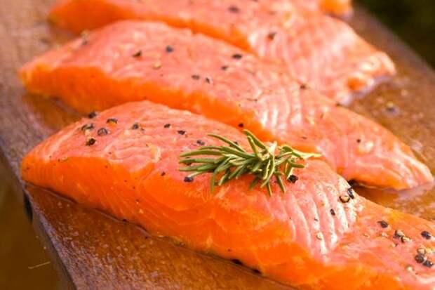 Не все так просто с полезным вроде бы лососем. /Фото: e-finland.ru