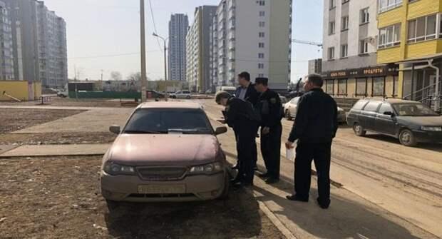 На любителей парковаться на газонах в Уфе составлено 924 протокола