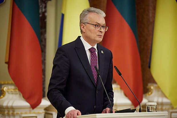Президент Литвы захотел лично участвовать в работе украинской платформы по Крыму