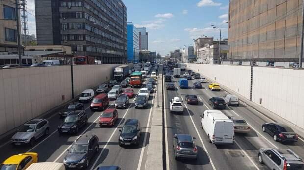 Жуткое ДТП с участием трех автомобилей произошло на юго-западе Москвы