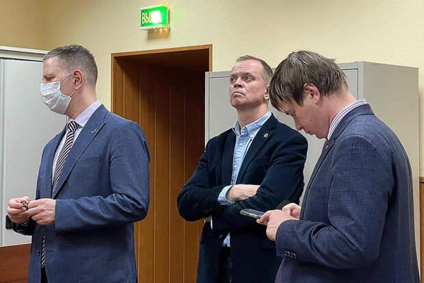 Защищавший Сафронова адвокат Иван Павлов уехал из России