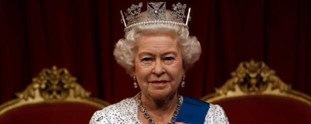 Королева Британии готова объявить информационную войну принцу Гарри и Меган Маркл