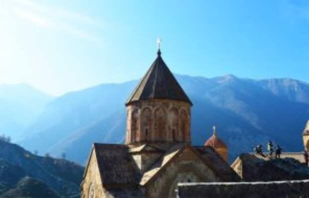 На фото: монастырь Дадиванк