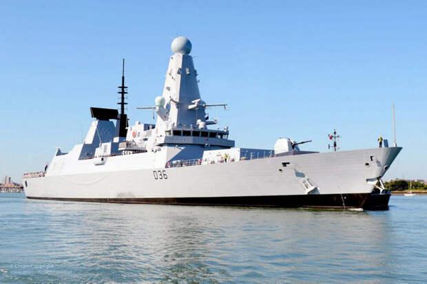СМИ нашли потерявшего секретные документы об эсминце Defender чиновника