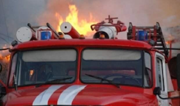 Впоселке Берды Оренбурга пожар уничтожил автобусы