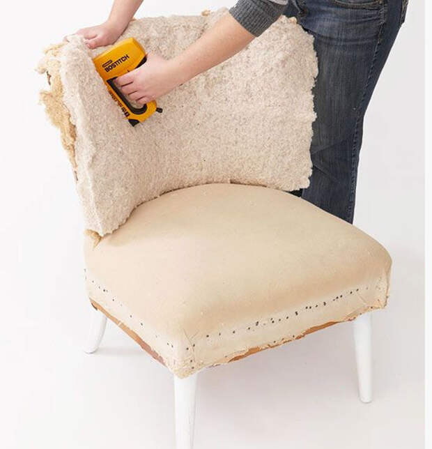Как поменять обивку мягкой мебели: инструкция и советы
