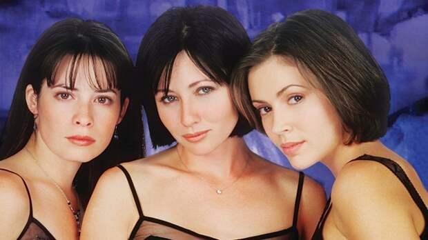 Вот как сегодня выглядит красотка Бренда из культового сериала «Беверли-Хиллз, 90210».