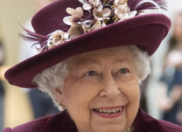 Елизавета II отказалась от алкоголя в преддверии 70-летия своего правления