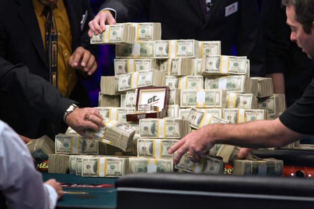Будни московских налоговиков: взятки, вымогательства, государственная измена