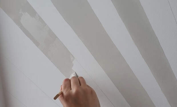 Быстрый и бюджетный ремонт поможет превратить маленький балкон в уютное рабочее место