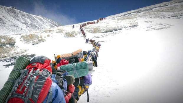 COVID-19 «покорил» Эверест