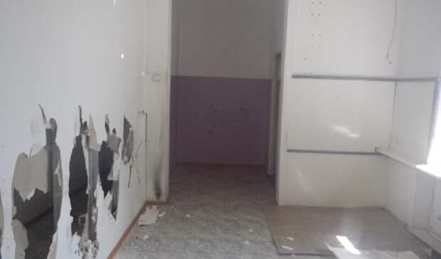 Трех молодых новотройчан будут судить закражу радиаторов вкинотеатре
