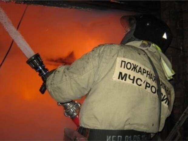 Огонь уничтожил пеллеты в котельной жилого дома в Чите