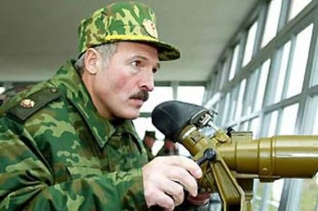 «Настроиться на военный лад»: с чем Лукашенко вернулся из Москвы?