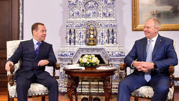 Медведев рассказал об откровенном разговоре с Румасом и сохранении разногласий