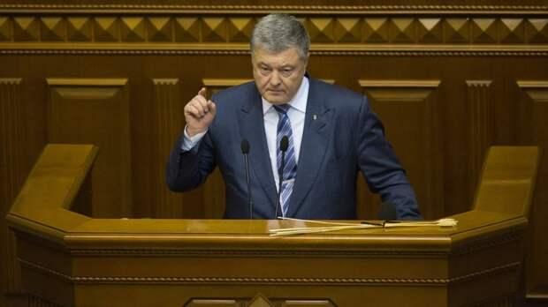 Украинский Ельцин: Порошенко начал петь и плясать на дебатах без Зеленского - видео