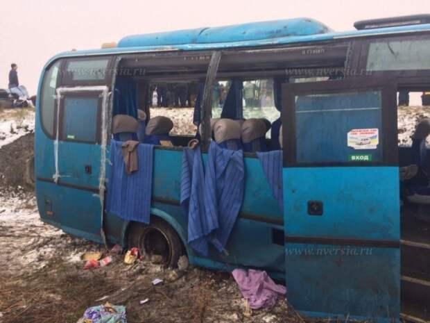 Первые фото ДТП пассажирского автобуса под Саратовом