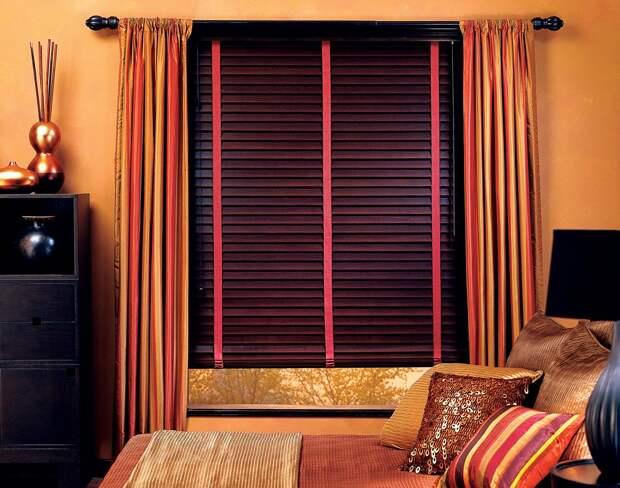 Жалюзи в спальню: фото, разновидности, материалы и цвета (55 фото)