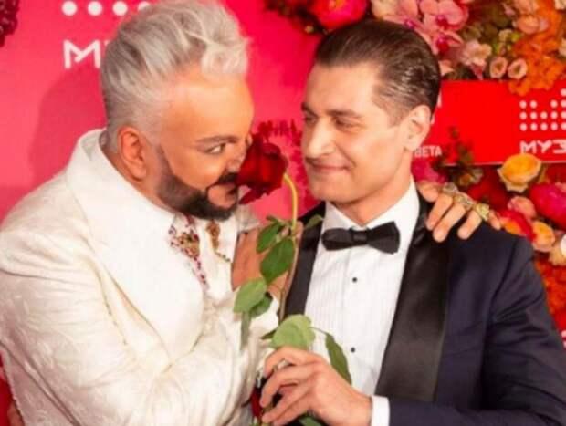 Роскомнадзор проверит премию МУЗ-ТВ на наличие ЛГБТ-пропаганды (ФОТО)