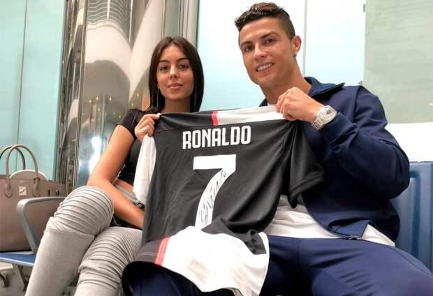 Невеста Роналду приревновала футболиста кпортугальской актрисе нацеремонии MTV