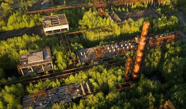 Недостроенный, заброшенный и заросший нефтеперерабатывающий завод в Ленинградской области, Константин Владимирович заброшенные здания, маяк, просторы, россия, церкви
