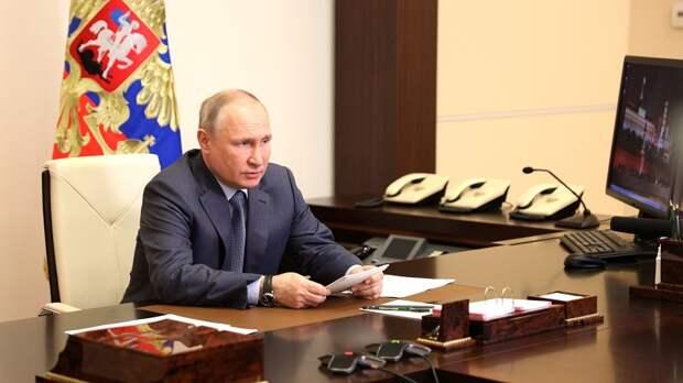 Достроить главную мечеть, развивать инфраструктуру детских лагерей… Какие поручения дал Президент по Крыму