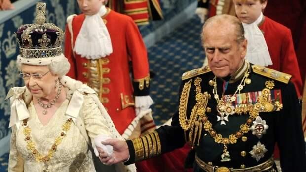 Елизавета II после похорон принца Филиппа может сложить свои полномочия
