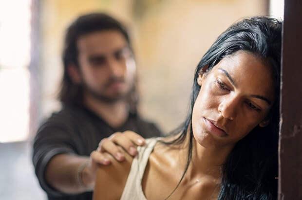 Почему женщины неуходят оттиранов: рассказывает Екатерина Попова